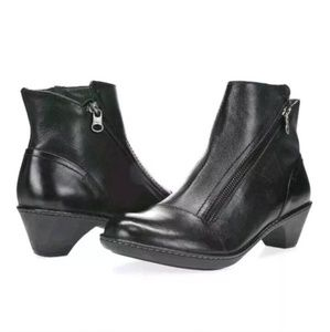 Dansko Billie Black Leather Zip Ankle Booties 40